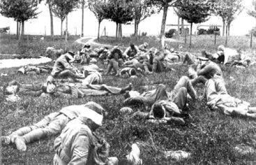 Gassed Australian soldiers awaiting hospitalisation, WWI 1916.