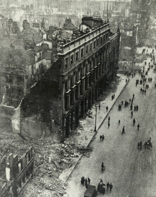 Damage 1916 Dublin Metropole Hotel from above