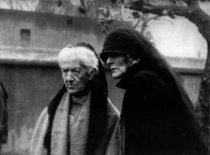 Charlotte Despard and Maud Gonne at prisoners' solidarity protest outside Mountjoy Jail