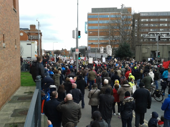 Crowd outside Mountjoy.  some have left and many are still further down the north Circular Road