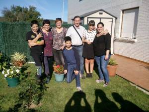 """Most of """"my Basque family: Front R-L: Aimar and Markel, Gurrutze's sons; Back R-L: Gurrutze, Maider, Josemari, Maddi & Ziortza."""