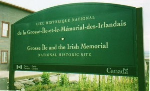 Grosse Isle Memorial bilingual notice, Quebec (Photo from Internet)