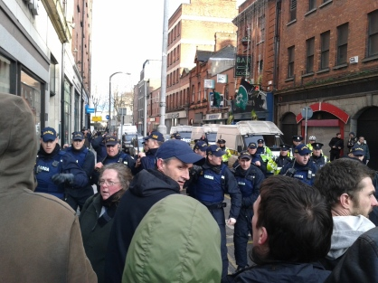 Riot Squad police in Cathedral Street facing off antifascists. (Photo D.Breatnach)