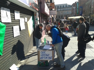 Number of people signing the petition at the Moore Street stall in its early days