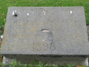 Memorial stone placed during 1798 centenary commemoration which was attended by 100,000 (Photo: D. Breatnach)