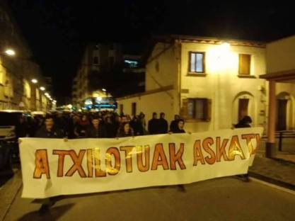 "Protest demonstration in Altsasu tonight. The slogan says: ""FREE THE DETAINED!"" (Source: Basque contacts)"