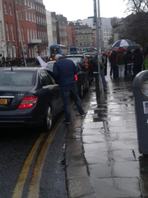 Garda Special Branch harassing convoy arrivals near Garden of Remembrance (photo D.Breatnach)