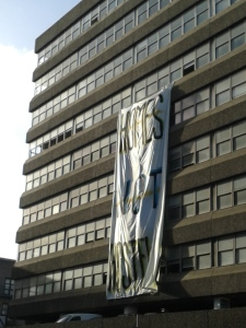 Banner suspended from the Tara Street side of Apollo House (Photo: D.Breatnach)