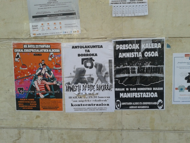 Amnistia Posters what wall