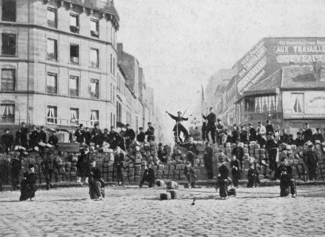 Communards Paris Barricade 1871