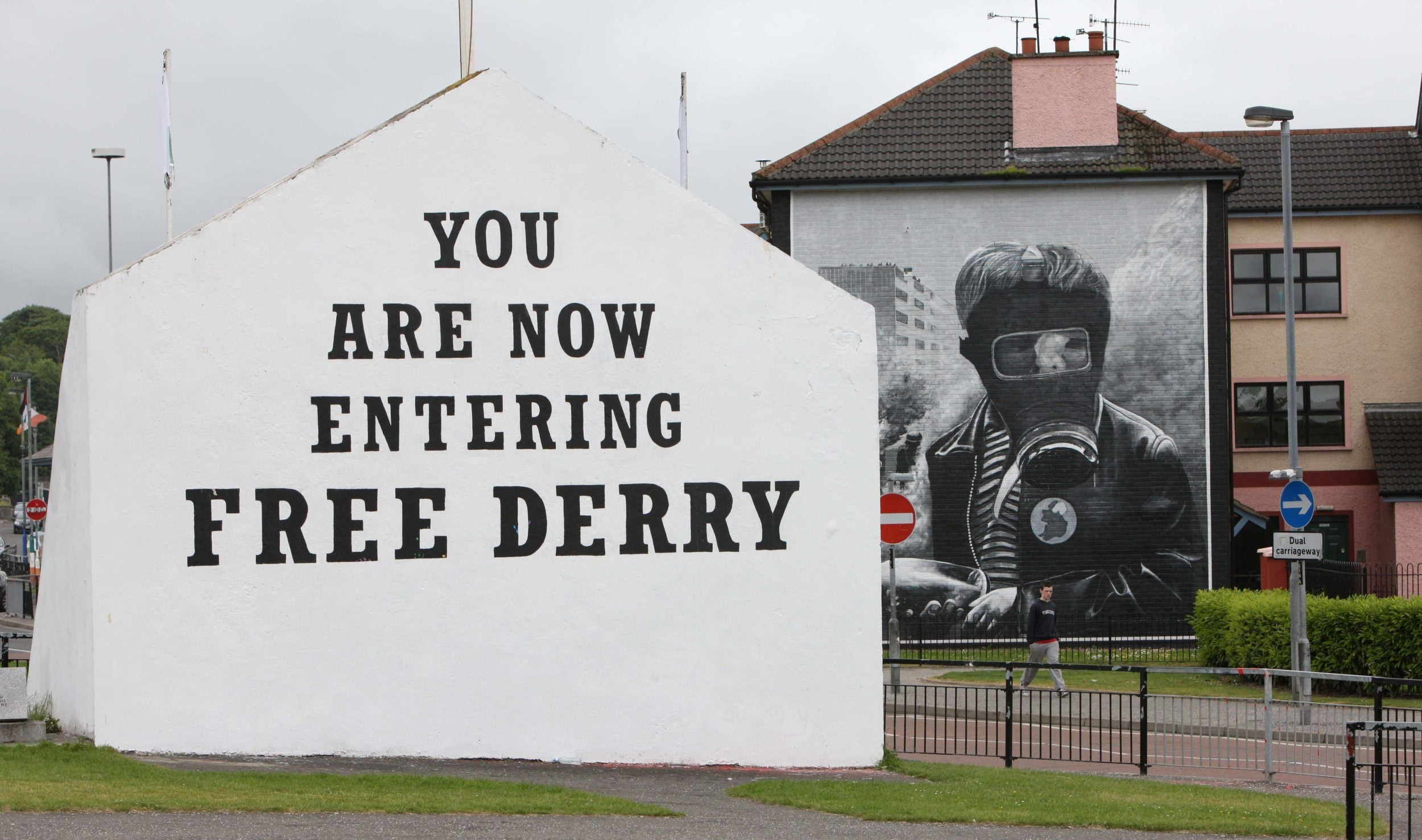 Free Derry Corner Gas Mask Images